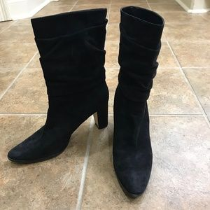 Auth. MANOLO BLAHNIK Slouch Suede Ankle Booties